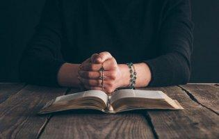 Молитва батьків урятувала тяжко хворих на коронавірус дочку та зятя