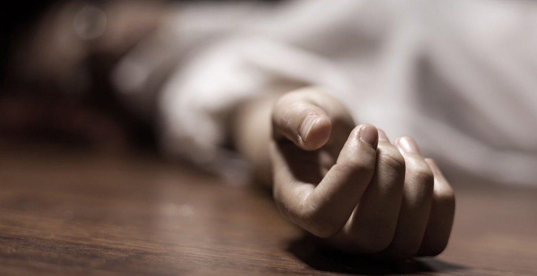 У Луцьку в багатоповерхівці знайшли мертву жінку