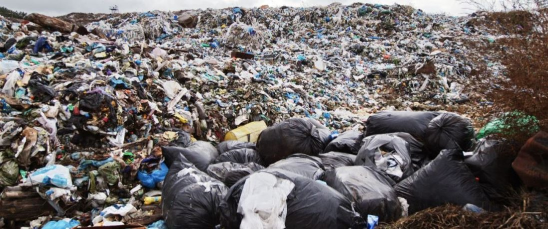 Львівське сміття таємно вивозили і закопували на полях, – прокуратура