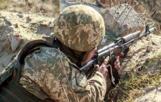 Як снайпери ЗСУ ліквідовують терористів: у мережі з'явилося відео