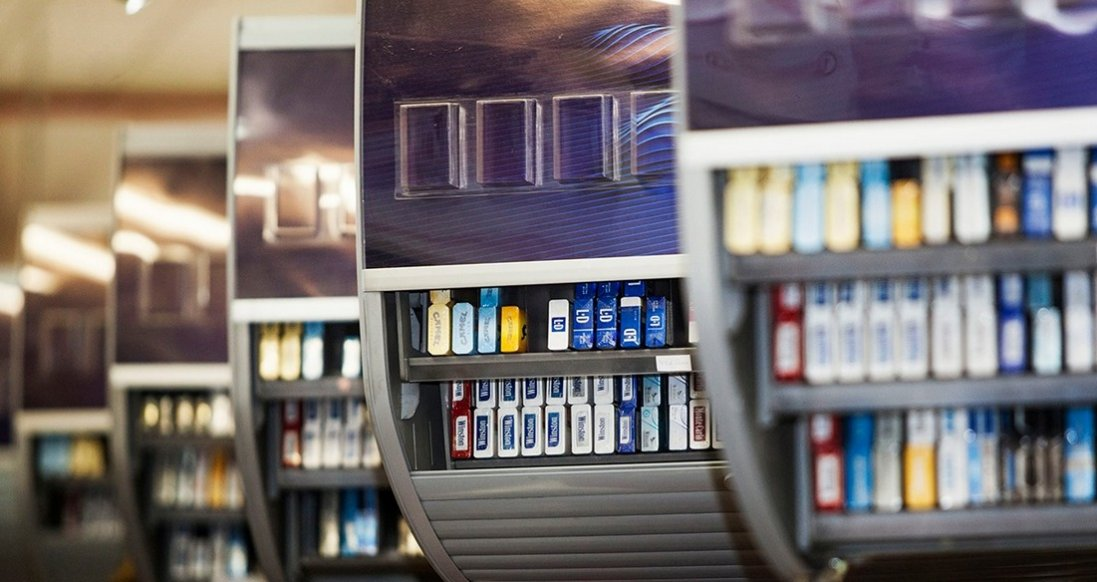 Видима викладка сигарет та незаконна реклама: як працює тютюнова індустрія в Луцьку