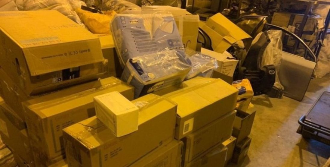 На Волині у вантажівці з гуманітаркою виявили контрабанду майже на 100 тисяч гривень