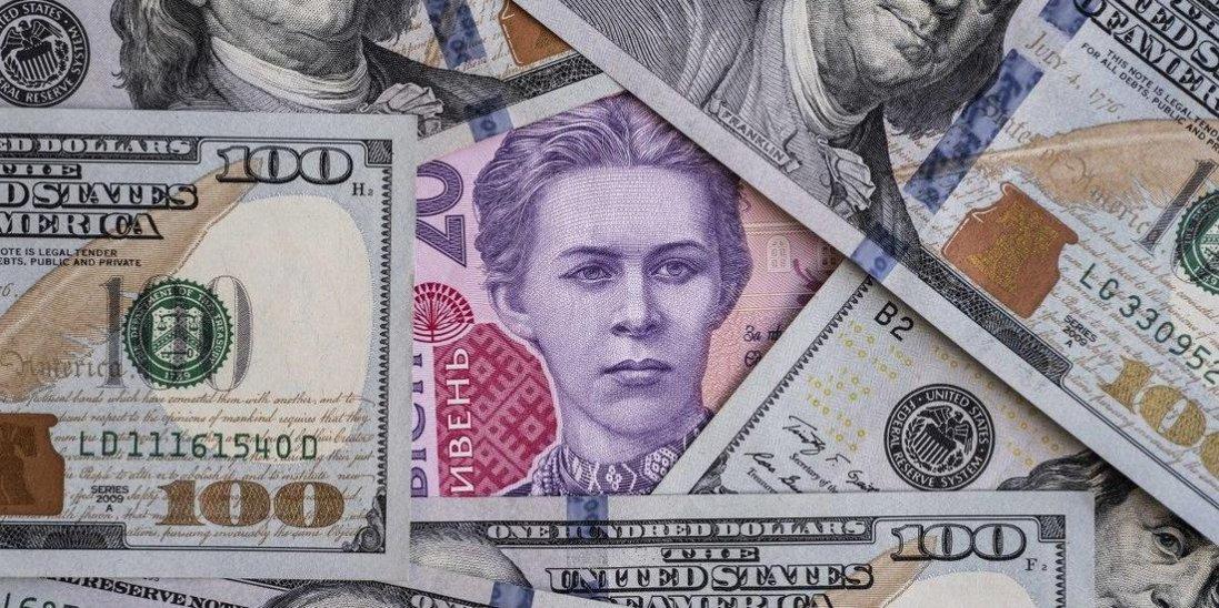 Після різкого зростання долар почав дешевшати