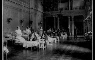 Лікарні в Рівному на столітніх фото