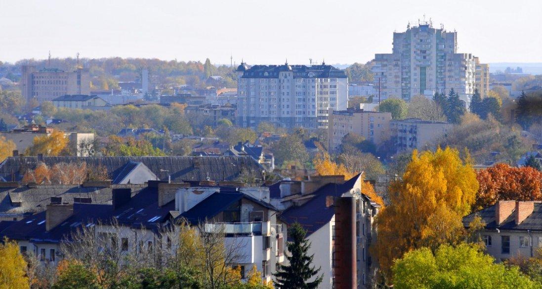 Луцький фотограф поділився атмосферними знімками з дахів