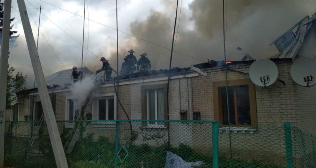 Руйнівна пожежа в Рожищі: будівельників просять про допомогу