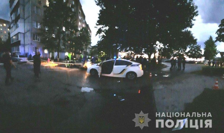 У Вараш двоє чоловіків влаштували бійку з поліцейськими, є поранені
