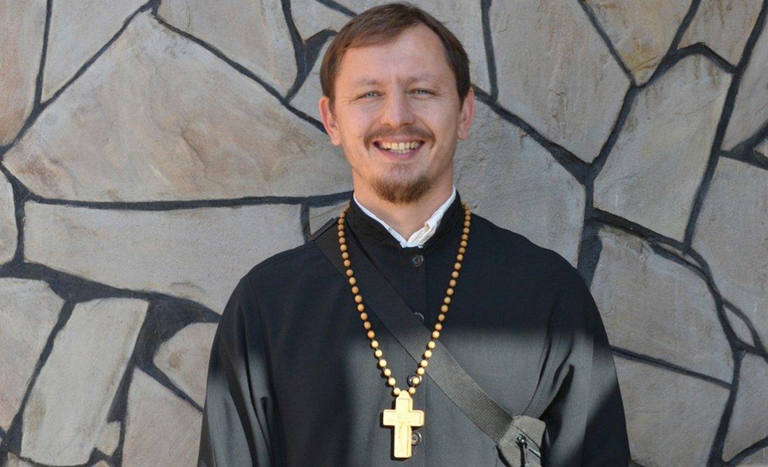 Священник захворів на коронавірус та заразив своїх дружину і дітей