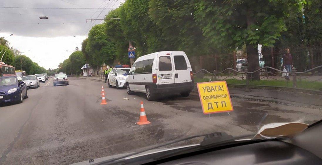 У лікарні померла жінка, яку збило авто в Луцьку