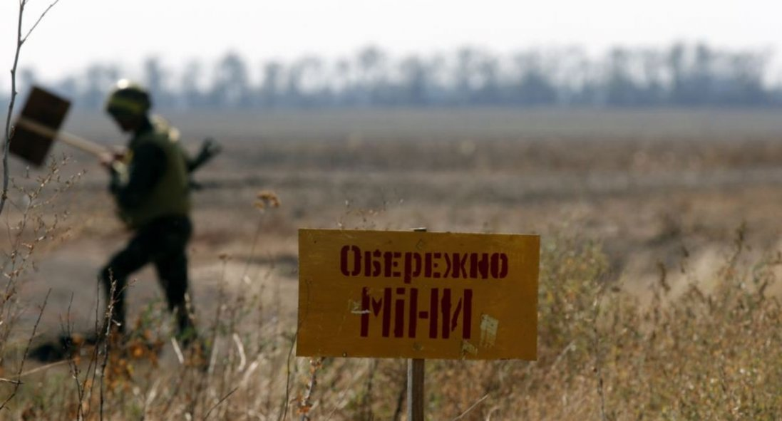 На Луганщині бойовики замінували місцевість