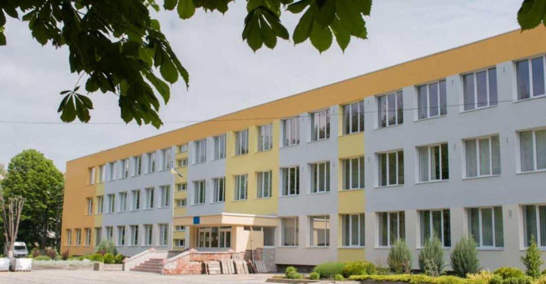 У Луцьку завершують ремонт однієї зі шкіл