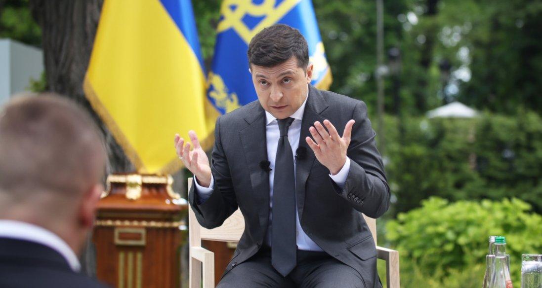 «Вважаю його дійсно потужним міністром», - Зеленський про Авакова