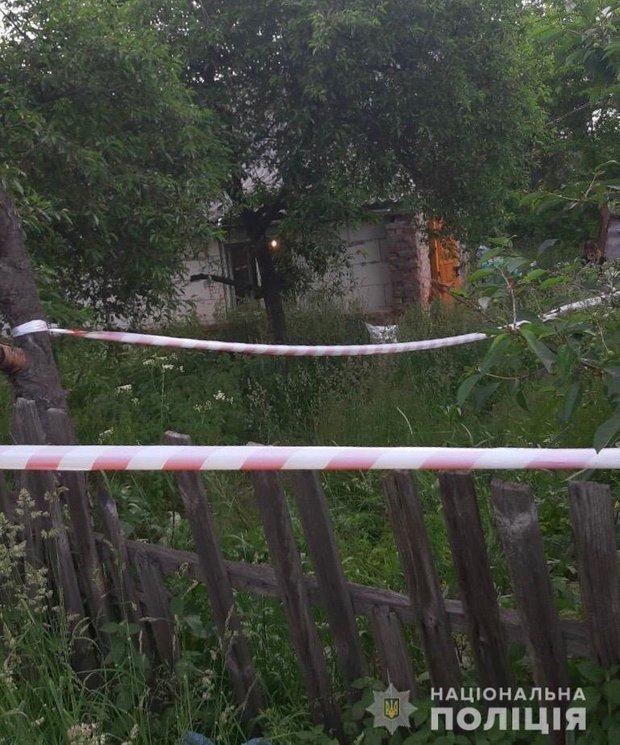 Місце вбивства трьох людей у Фастові