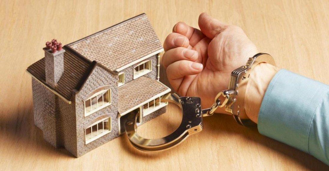 Українці масово боргують за комуналку: коли та в кого можуть забрати квартиру