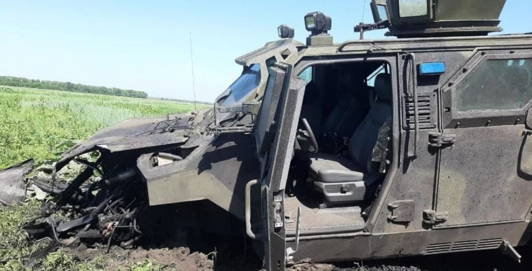 У зоні ООС підірвався автомобіль українських військових – 10 поранених