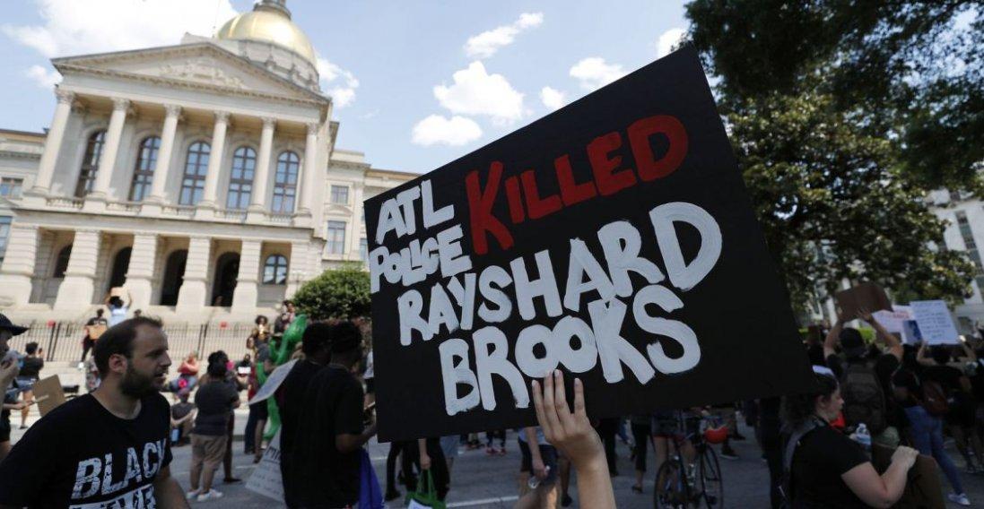 У США поліцейський знову вбив афроамериканця: чи почнуться нові протести