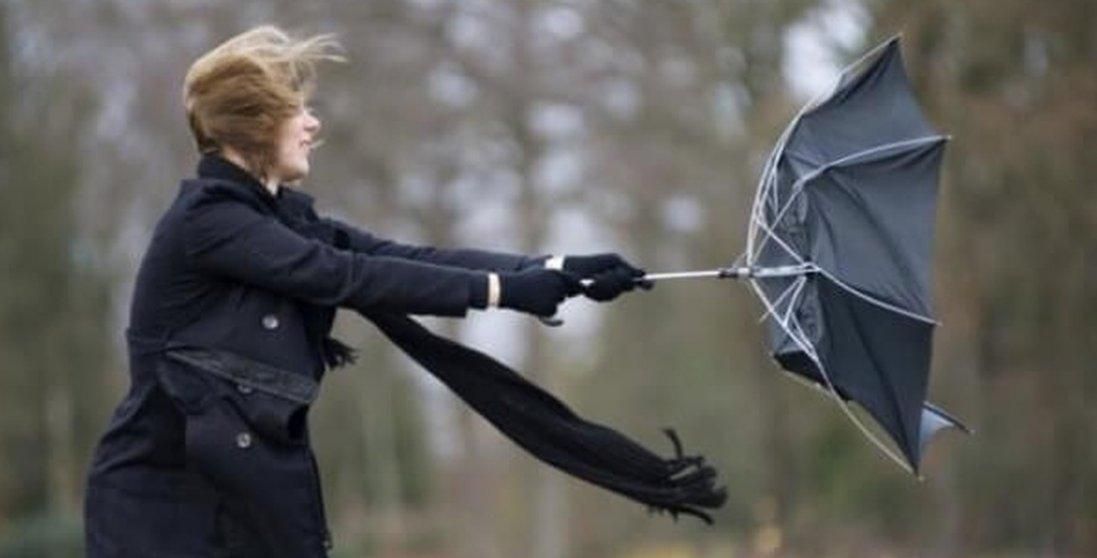 Українців попереджають про град та штормовий вітер </div>