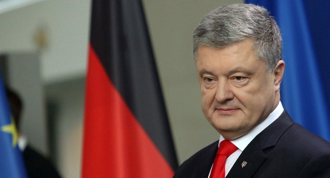 У Києві в суді допитали Порошенка у справі про держзраду Януковича