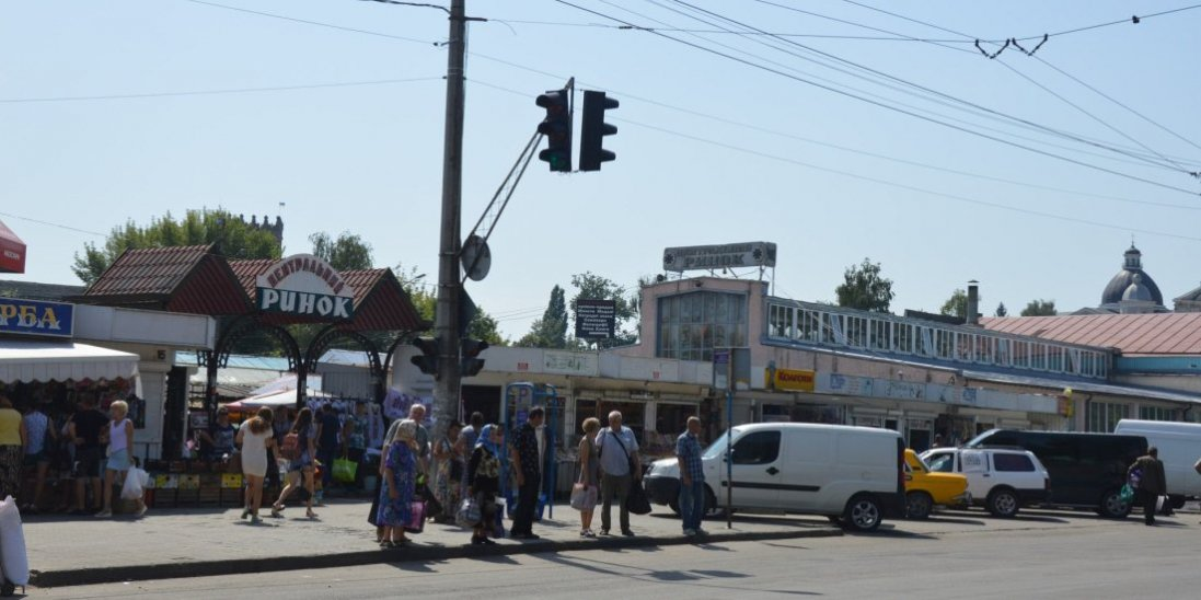 У Луцькраді пояснили, чому продовжують демонтаж на Старому ринку