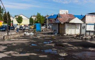 У Луцьку з Центрального ринку демонтували більше 500 контейнерів