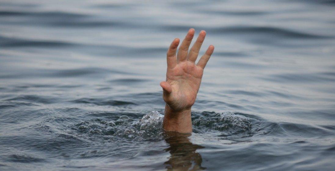 На Рівненщині у ставку втопилися хлопець та дівчина