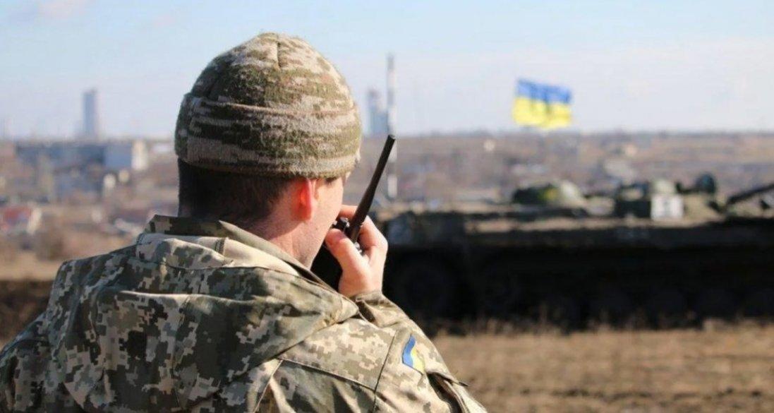 На Донбасі бойовики обстріляли житлові будинки