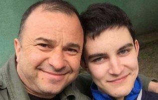 «Залишилося протриматися в живих скільки зможу»: молодий син Віктора Павліка припинив лікування від раку
