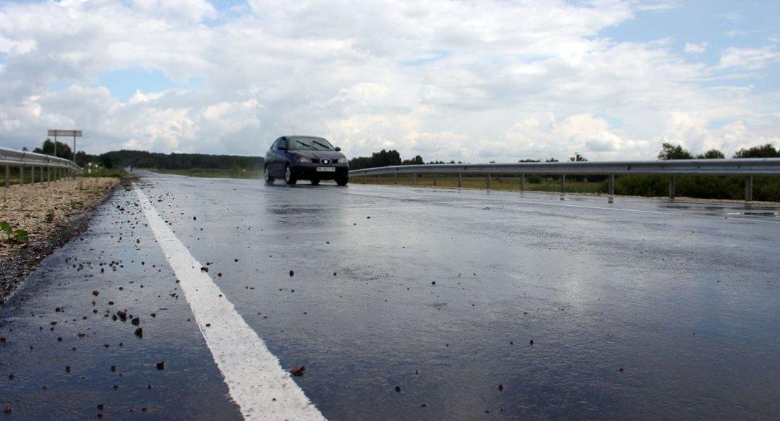 Потоп в Україні: на дорогах держзначення відновили рух