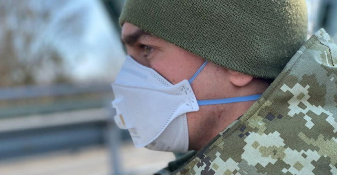 Скільки хворих на COVID-19 серед військових