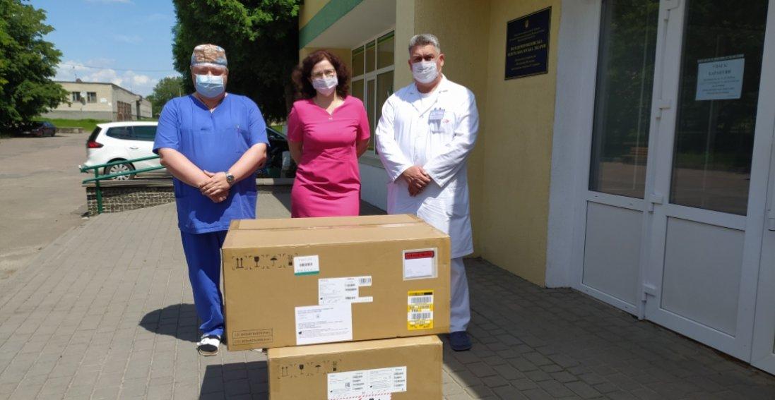 Володимир-Волинська лікарня отримала апарат штучної вентиляції легень