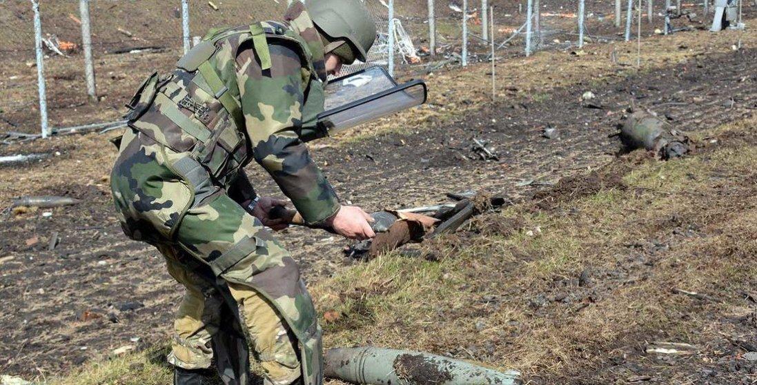 Український сапер на Донбасі підірвався на вибуховому пристрої