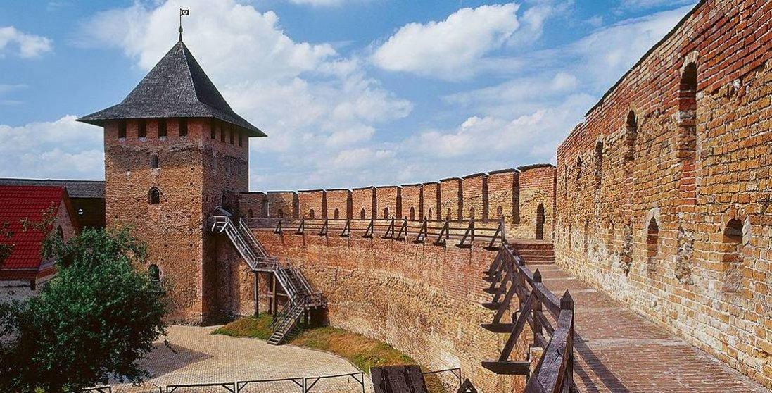 У Луцькому замку дефілював військовий оркестр