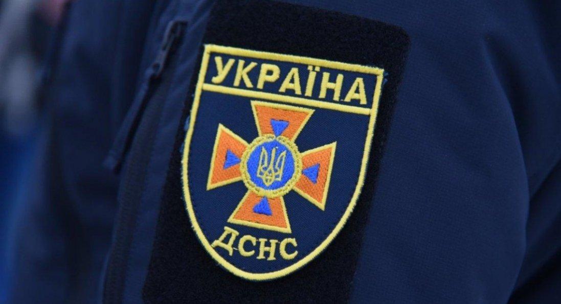Повінь в Україні: знайшли тіло водія, автомобіль впав у річку