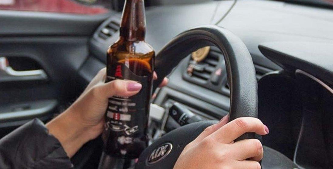 Зеленський скасував кримінальну відповідальність для водіїв, що їздять напідпитку