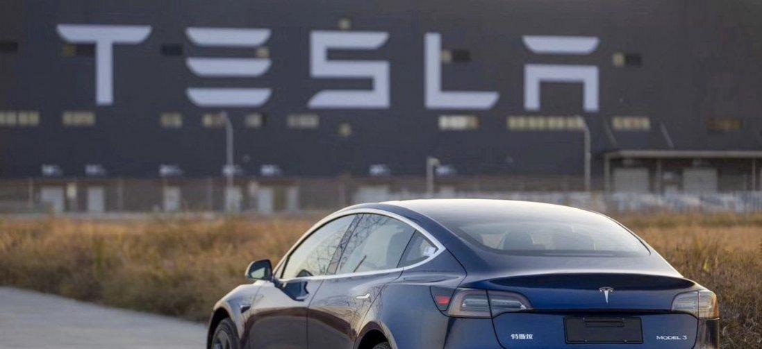Tesla відновлюється після карантину: нарощує обсяги та б'є рекорди