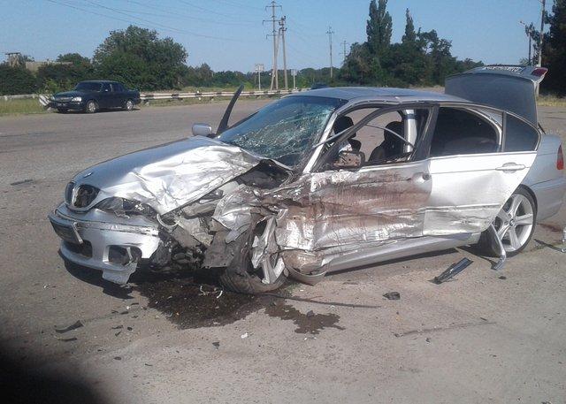 Розбита автівка BMW / Фото ДСНС