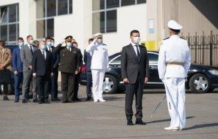 Не зрадили Україну: президент пообіцяв квартири морякам з Криму