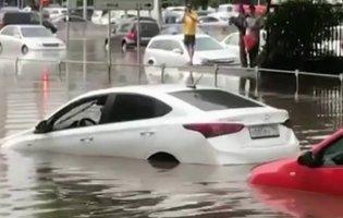 Затопило автомобіль: що робити і які можуть бути наслідки?