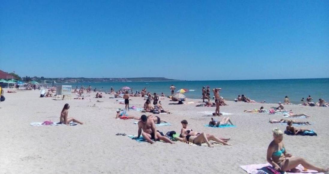 Майже на всіх пляжах Одеси знайшли кишкову паличку