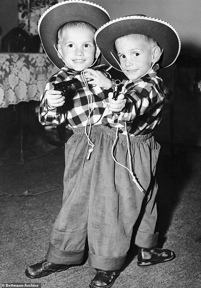 Ронні і Донні в дитинстві / Фото Mail Online