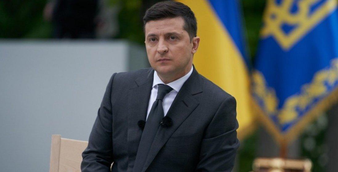 Біля Луцька чекають на прибуття Володимира Зеленського