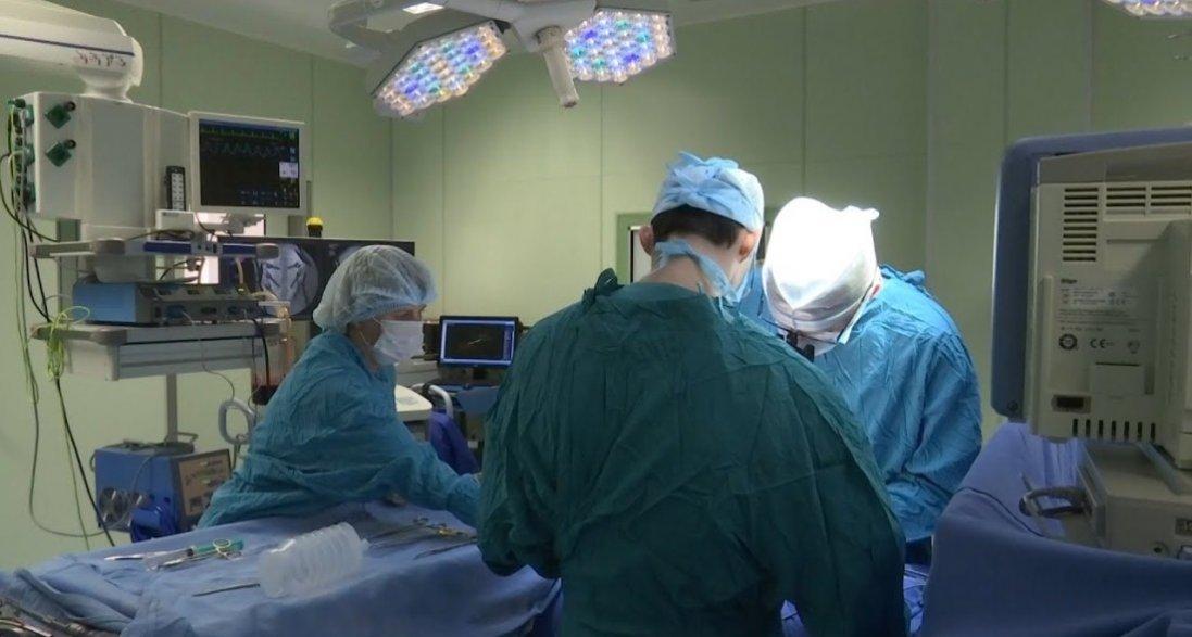 На Волині провели 8-годинну операцію на серці