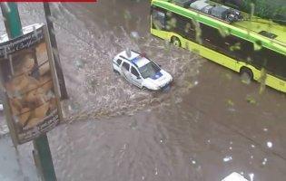 Злива затопила ринок і вулиці Хмельницького