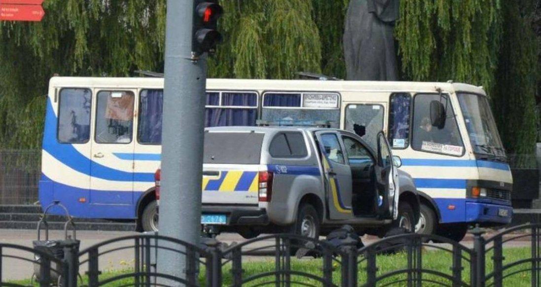 Захоплення заручників в Луцьку може бути постановкою, — юрист-кримінолог