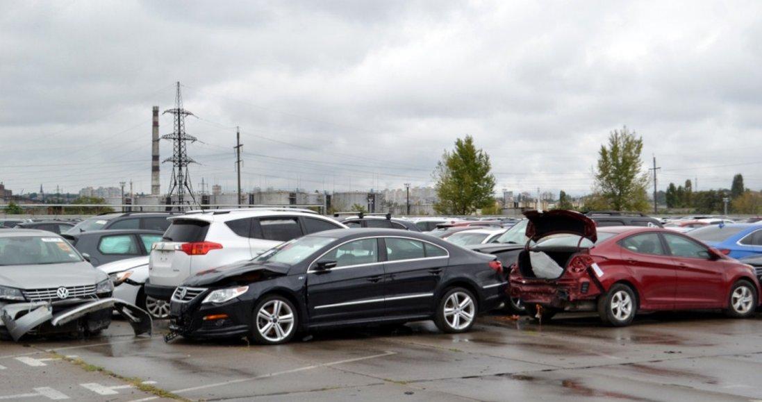 В Україні можуть заборони авто зі США