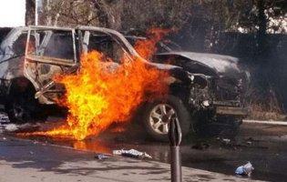 На Львівщині вибухнув автомобіль з водієм: особу потерпілого встановлюють