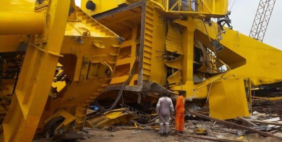 Моторошне відео падіння 70-тонного крану:  розчавив 11 людей