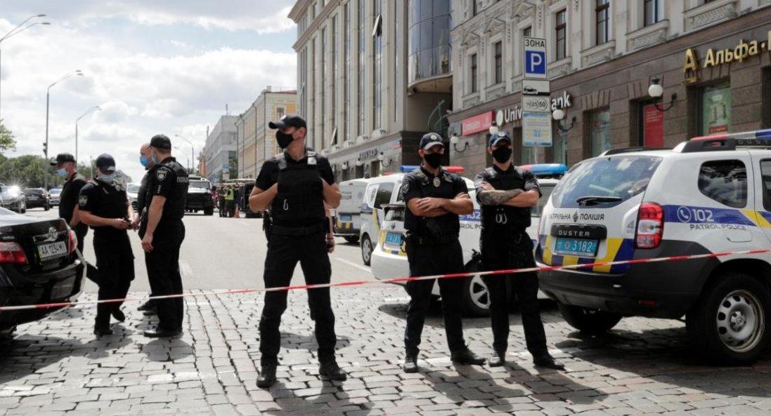 Захоплення банку в Києві: відкрили «кримінал»