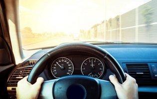 «Заблукав»:у Луцьку по «зустрічці» їхало авто
