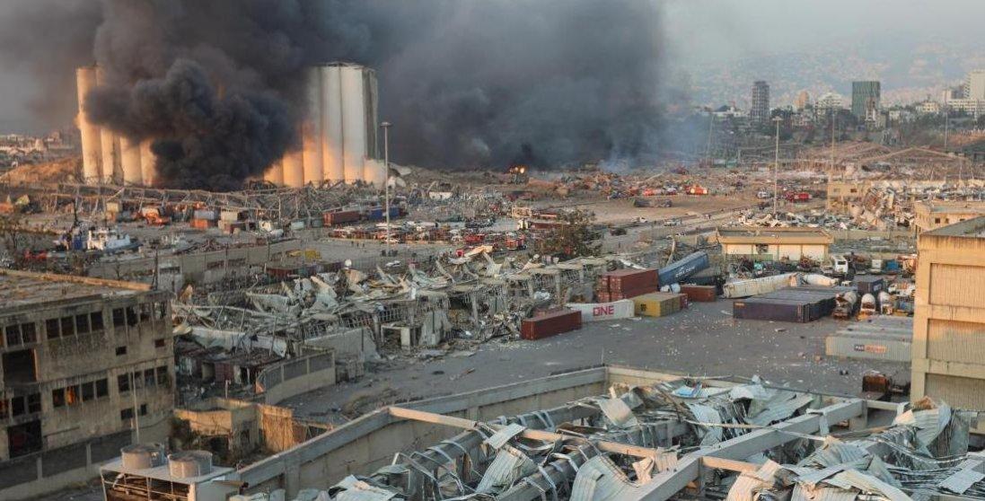 Як рятувалися люди від вибуху в Бейруті: моторошне відео